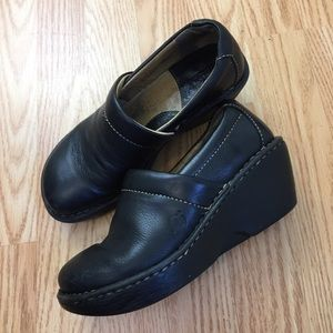 Born Wedges black leather size 6 clogs mules full